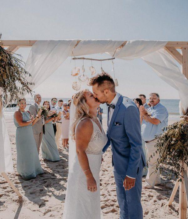 Droomhuwelijk op het Zeeuwse strand van de Duitse Jana en Philipp 1